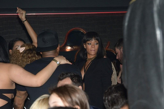Rihanna v klubu, kde Drake koncertoval.