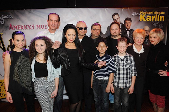 S muzikálovou rodinou včetně alternací