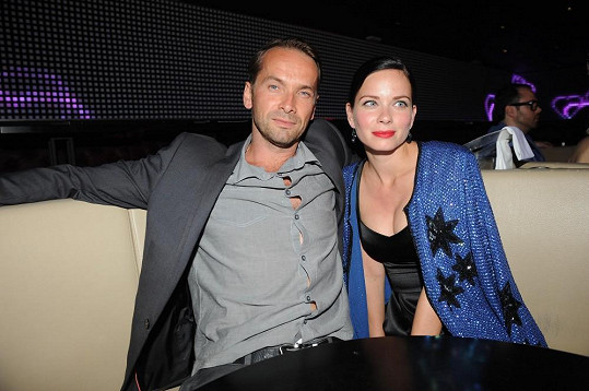 Jan Révai s přítelkyní Zuzanou Šulajovou vyrazili na Gatsby párty.