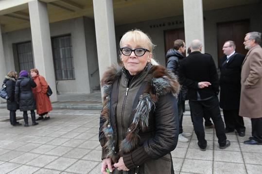 Kateřina Macháčková na pohřbu Věry Tichánkové