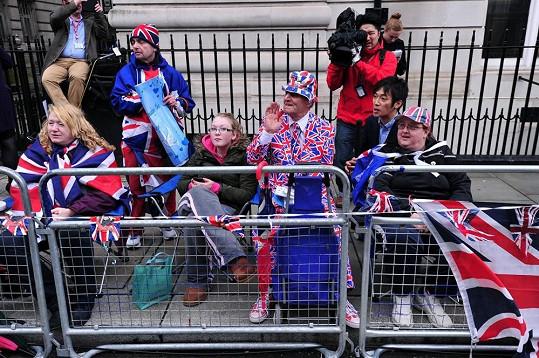 Brity dnes opět zachvátila patriotská nálada.