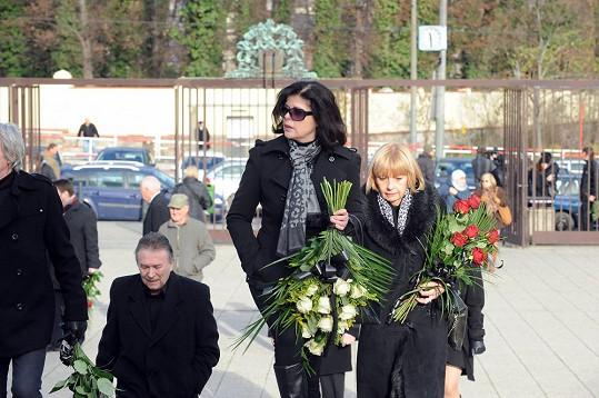 Andrea na pohřbu své bývalé lásky Pavla Bobka
