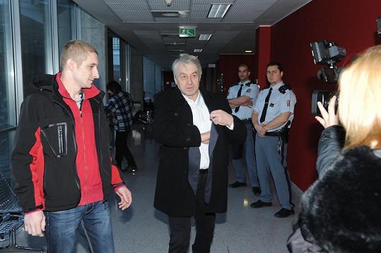 Josef Rychtář žádal soudce Petra Fassatiho, aby Macurovi nařídil lékařské vyšetření.