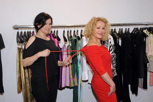 Jitka chtěla zhubnout do šatů Táni Kovaříkové.