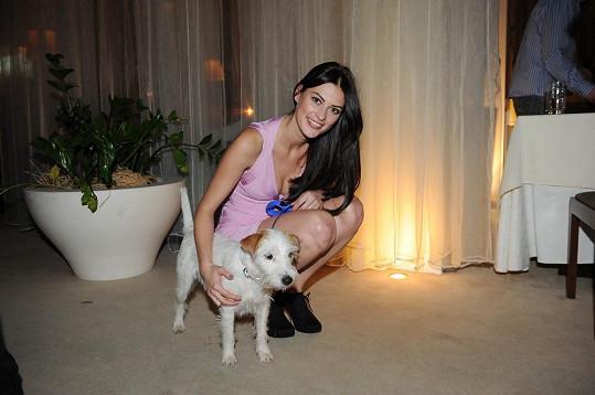 Mirka Košťanová se svým psem.
