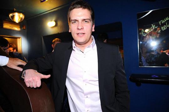 Dort byl od partnera, kterého zastupoval slavný mluvčí Julián Záhorovský.