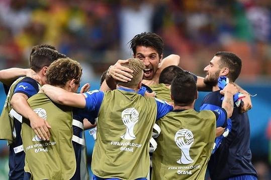 Rocco je velkým fanouškem Gigiho Buffona a jeho fotbalové party.