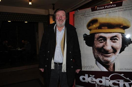 Bolek Polívka s filmovým plakátem