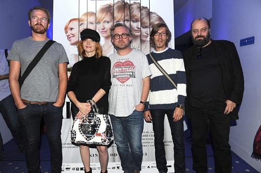 Aňa s režisérem, scenáristou a kolegy z filmu