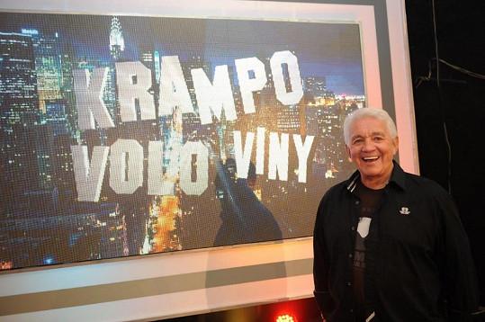 Jiří Krampol u nové dekorace.
