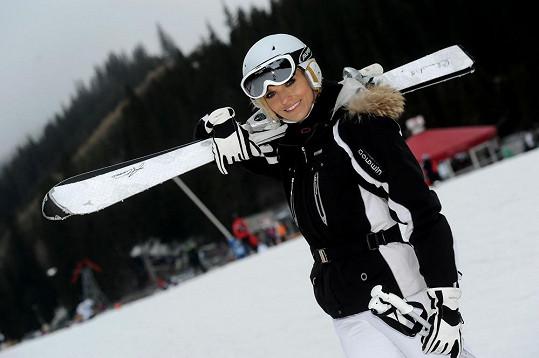 Mašlíková lyžuje teprve tři roky a moc ji to baví.