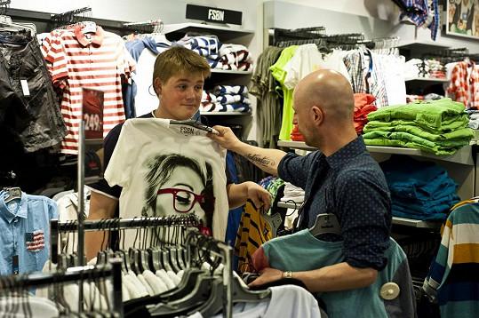 Adam Kukačka si splnil sen a konečně si obohatil svůj šatník o několik moderních kousků.