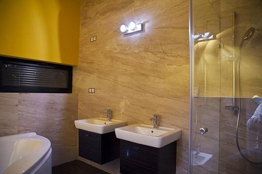 Koupelna z jiného úhlu pohledu.
