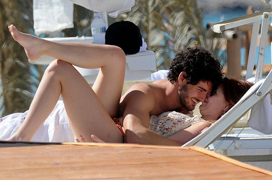 Dcera Silvia Berlusconiho se svým o pět let mladším partnerem.