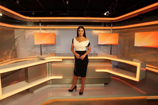 Mahulena Bočanová si oblékla černo-bílé koktejlky.