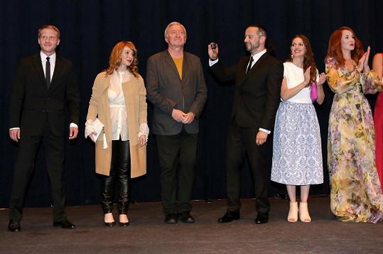 Film měl premiéru na karlovarském festivalu.