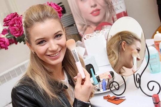 Gabriela s profesionálním make-upem