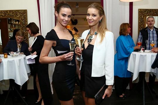 Gabriela Franková i Tereza Skoumalová zvolily malé černé.