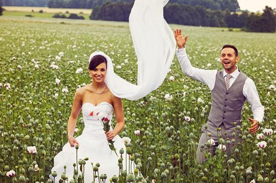Svatbu si užívali.