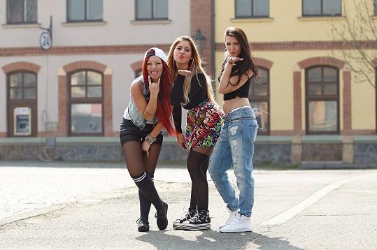 Joy$ jsou produktem X Factoru steně jako úspěšná kapela One Direction.