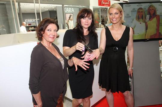 S celebritami jsme si povídali na otevření salonu snachy Marie Rottrové.