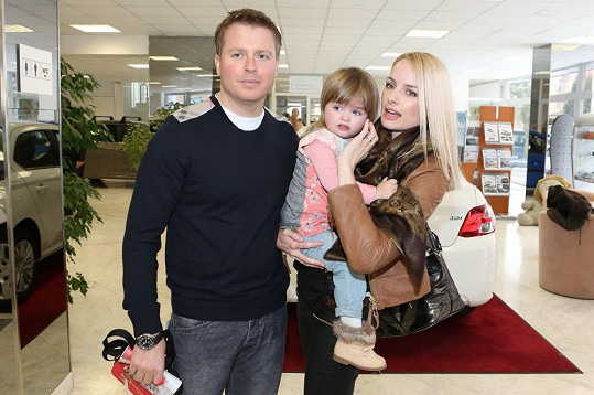 Markéta s manželem a dcerou Natálkou.