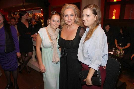 Bára s dcerami Annou a Marií