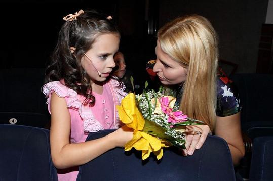 Charlotte s maminkou Ivanou po premiéře