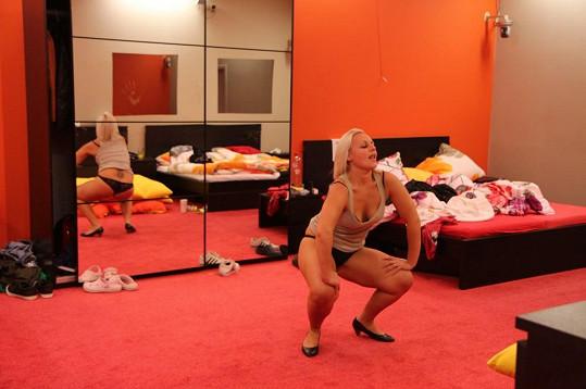 Pavlína a její smyslný tanec