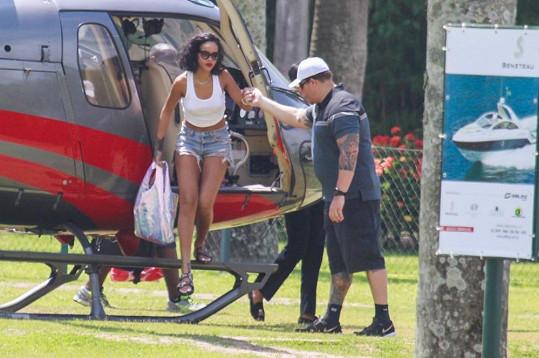 Rihanna přiletěla do Brazílie kvůli odvážnému focení.
