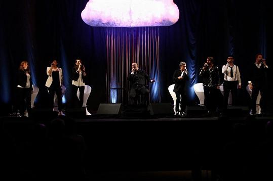 Originální scéna koncertu Hlasy
