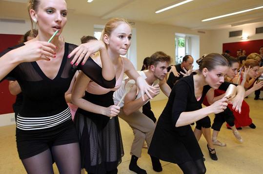 Kvůli roli baletky Meg dře Vágnerová každý den včetně víkendů.