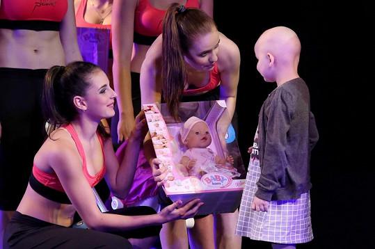Malá Pavlínka bojuje s rakovinou.