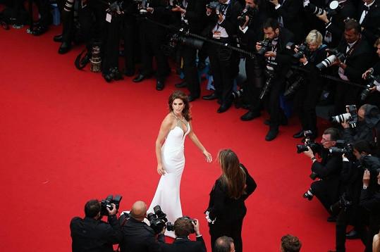 Stále okouzlující Cindy si nenechala ujít festival v Cannes.
