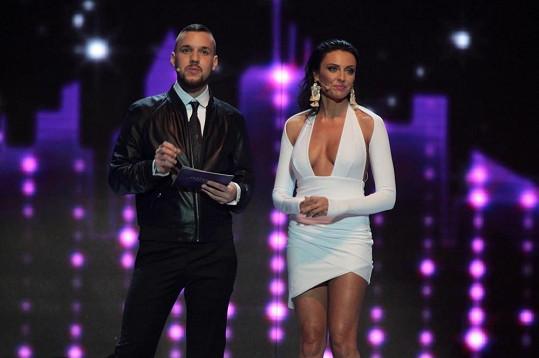 Ředitelka soutěže Magdalena Šebestová nakonec vybrala místo Krause moderátora Michala Saba.
