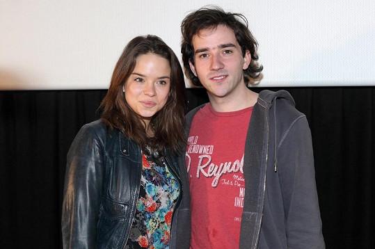 Matouš Ruml a Kristína Svarinská společně hrají ve filmu 10 pravidel jak sbalit holku.