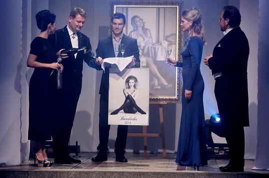 Na akci se dražila fotografie Lindy Bartošové.