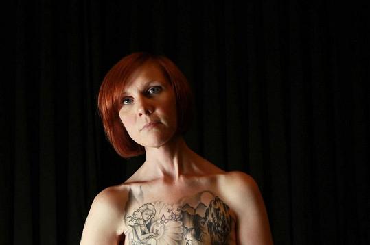 Kelly Davidson se s rakovinou musela poprvé poprat už v jedenácti letech.