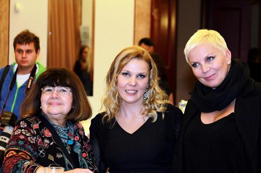 Kateřina Kornová si popovídala s Uršulou Klukovou (vlevo).