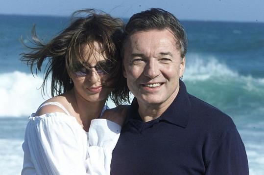 Takhle Karel s Ivanou pózovali v roce 2002 na společné dovolené.
