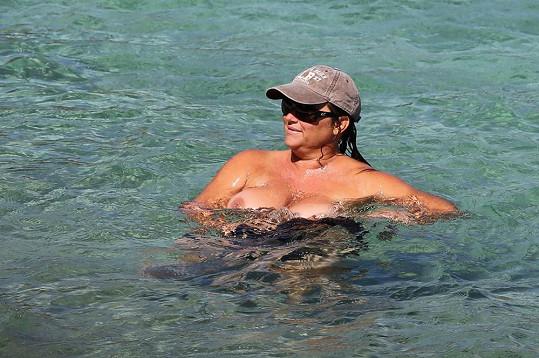 Keely Shaye Smith na dovolené na Havaji