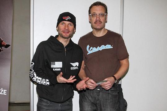 Dalibor s kamarádem Davidem Matáskem na zahájení Motosalonu.