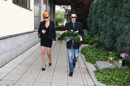 Chtěla se dostat i na její pohřeb, přišla ale pozdě.