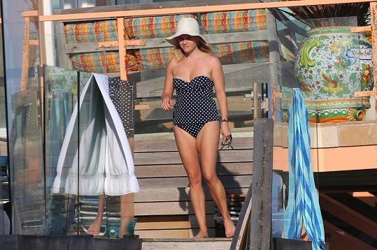 Reese Witherspoon na Malibu beach