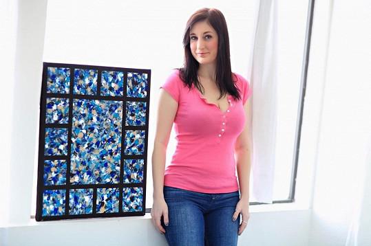 O její obrazy je velký zájem.