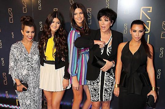 Kris Jenner se svými dcerami Kourtney, Kylie, Kendall a Kim
