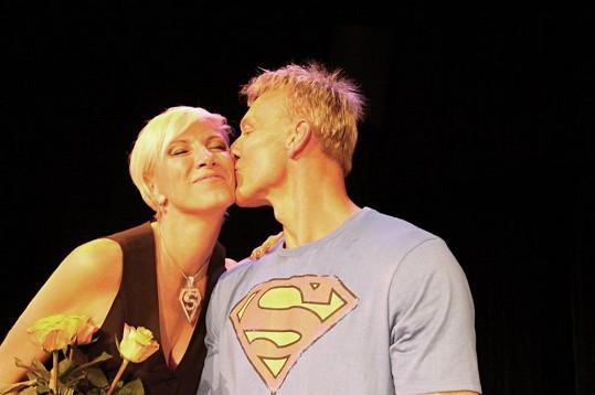 Narozeninový polibek od supermana Maxy