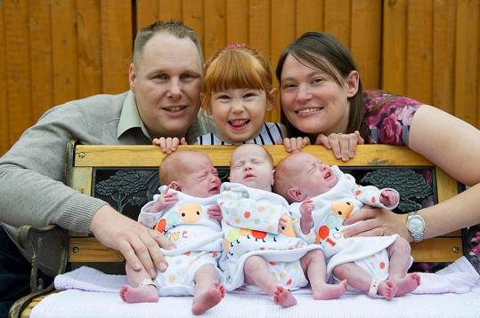 Manželé Gilbertovi mají doma už čtyři holčičky.