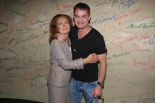 Režisér se nebál Stašovou svléknout ve filmu Sebemilenec, který byl natočen podle románové předlohy zavražděné spisovatelky Simony Monyové.