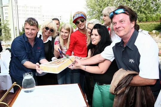 Pavel Roth s dalšími účastníky koncertu na hradě Houska